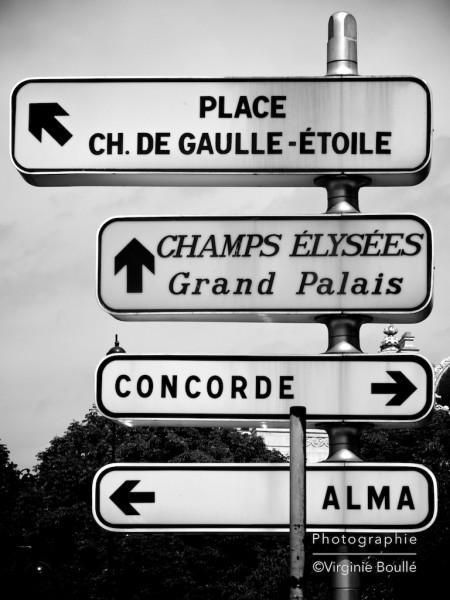 Panneau près du Pont de l'Alma, Paris