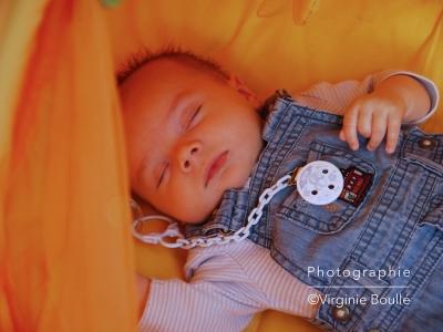 Portrait bébé Gabriel lifestyle ©Virginie Boullé