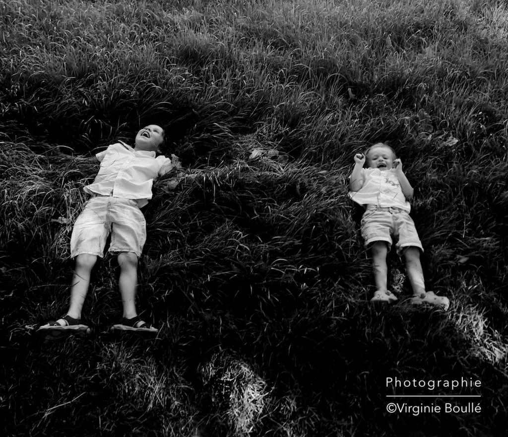 Portrait d'enfant. Parc de Morsang sur Orge (91)
