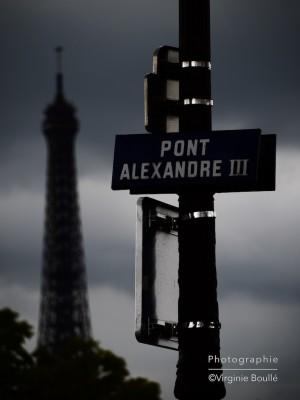 Tour Eiffel à proximité du Pont d'Alexandre III